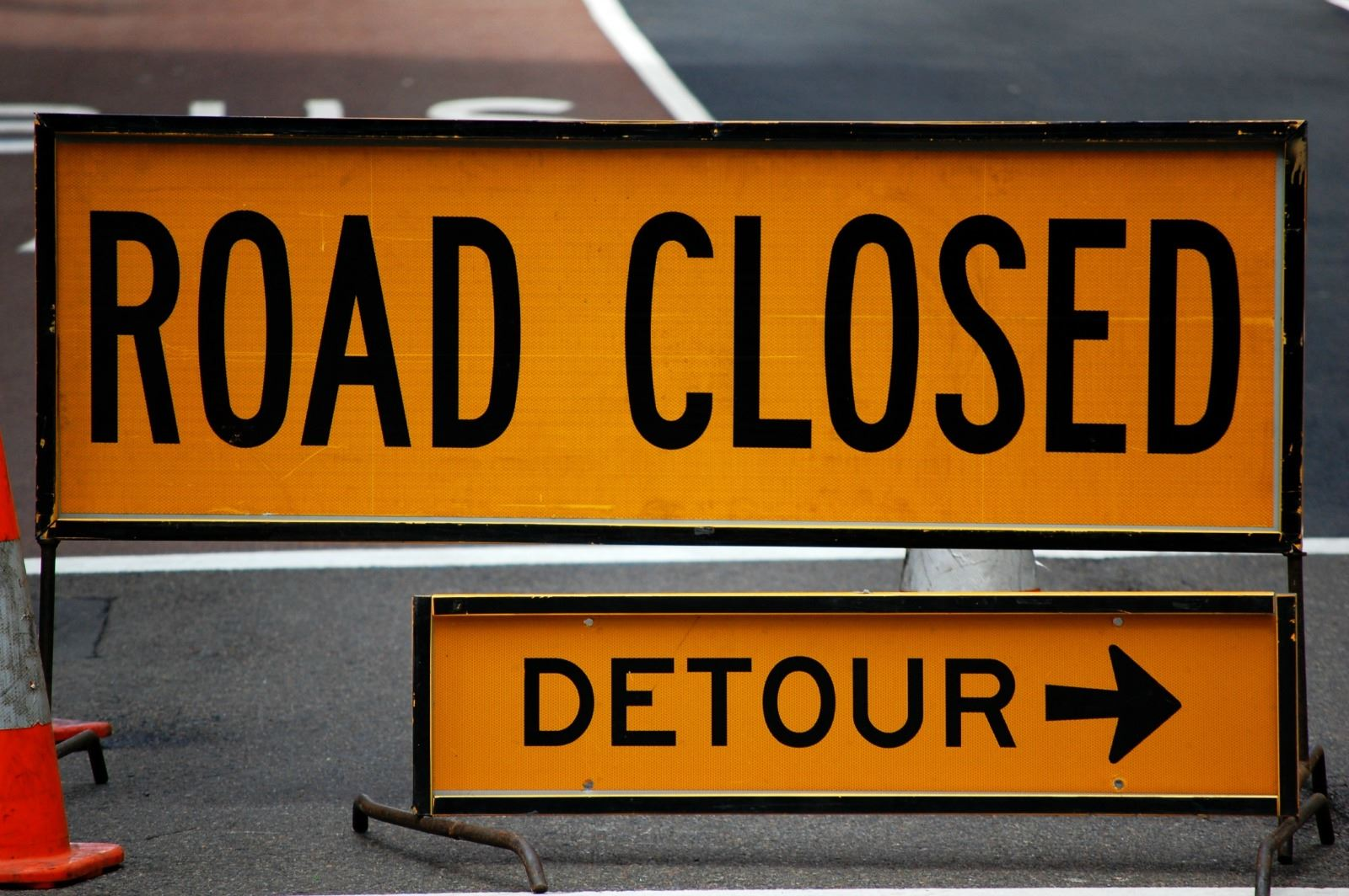 road-closed-and-detour-sign